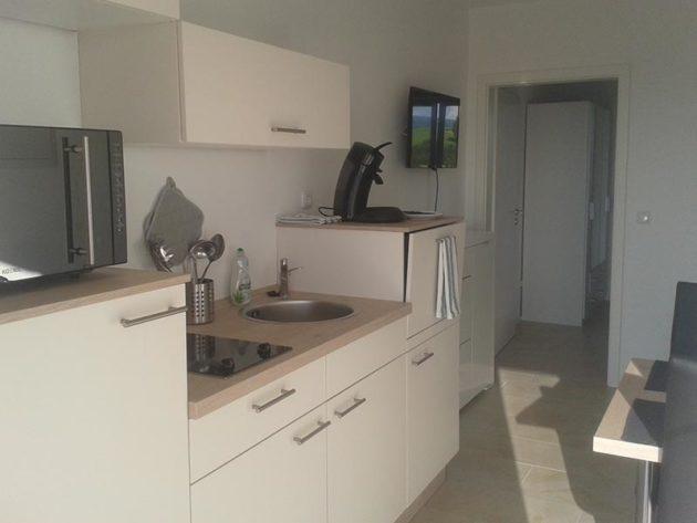 Küche Zimmer 1
